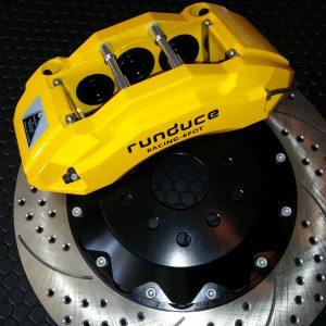 オリジナルランデュースから安心のダストブーツ付きビッグブレーキキットが新登場