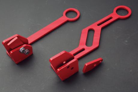 RS-TAKAGI:曲がらない&ズレない牽引フックを開発
