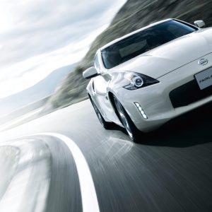 日産フェアレディZが新色レッドを追加、NISMOのタイヤも現代風にアップデート