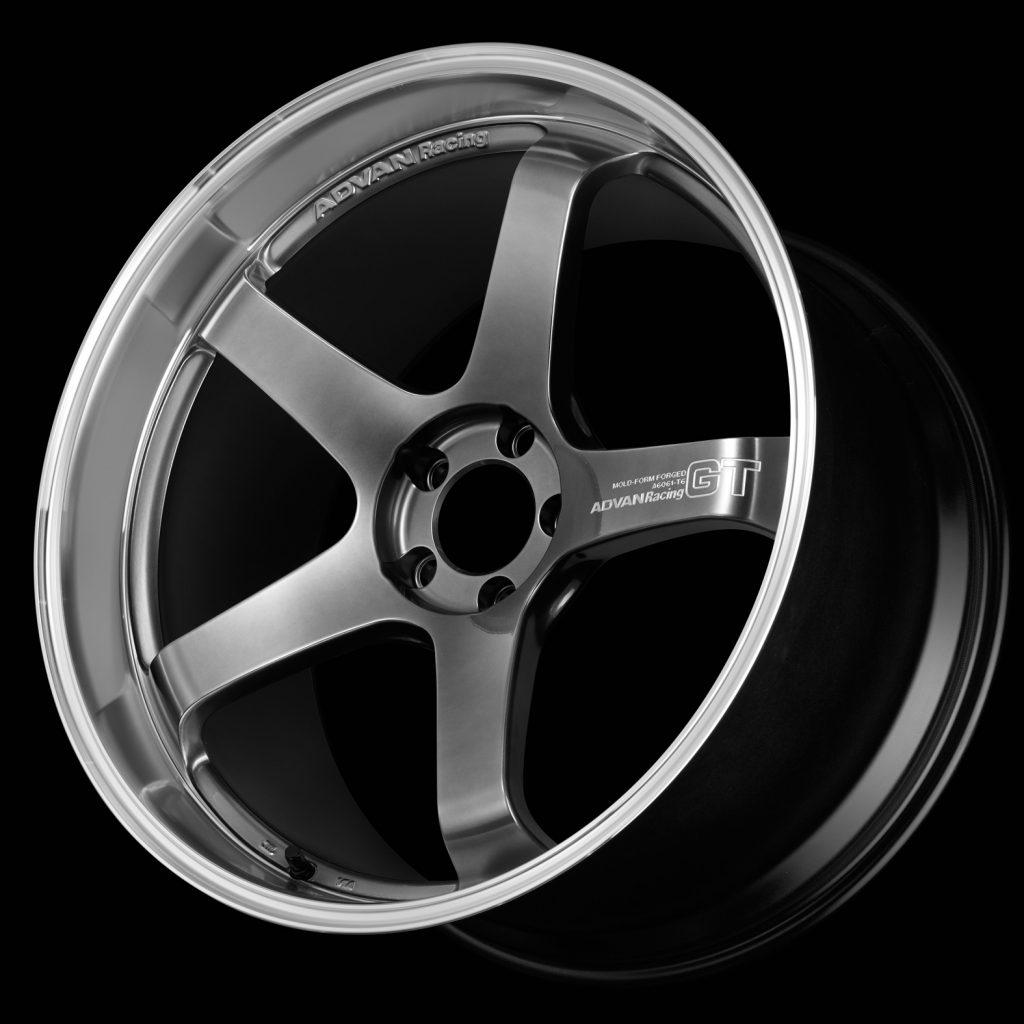 「ADVAN Racing GT Premium Version」21インチ新発売