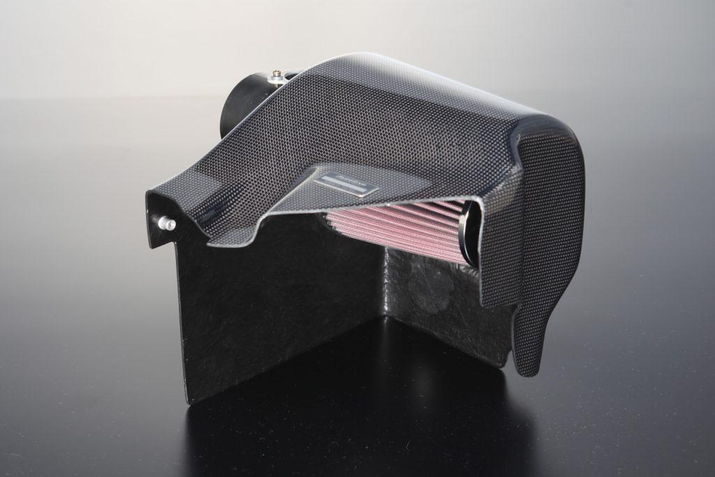 オートエグゼの「ラムエアインテークシステム」がアクセラとアテンザのガソリンエンジン車に対応