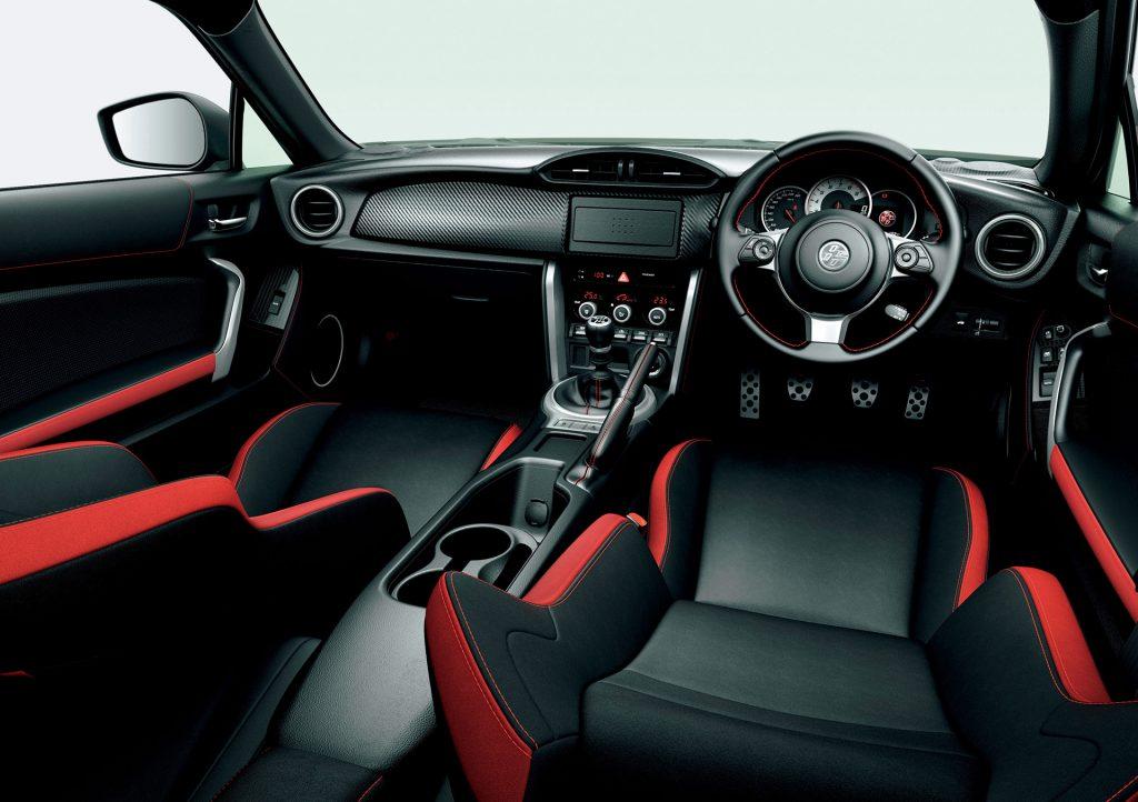 ブレンボ標準装備のトヨタ86 GTリミテッド・ブラックパッケージは335万6640円! - 20170904_01_03_s