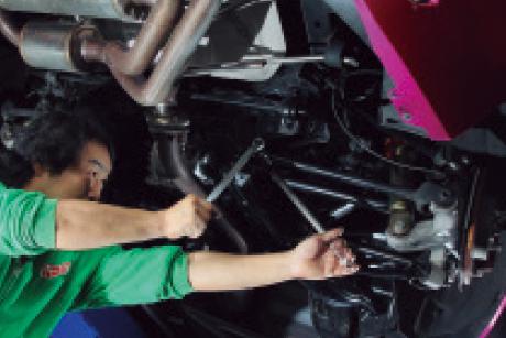 NAKAMURA RACING FACTORY:本格的なアライメント調整