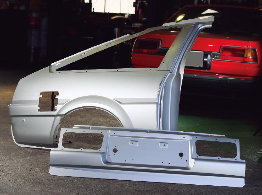 純正同等品のAE86外装パネル