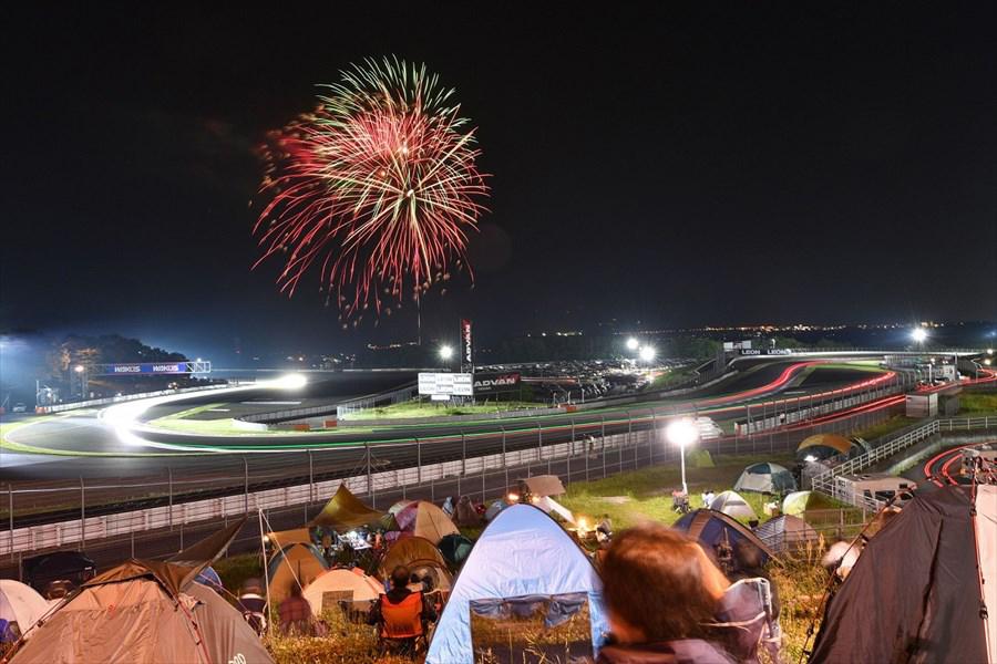 東京ガールズコレクションとのコラボもある24時間のお祭り【NAPAC 富士 SUPER TEC 24時間レース】