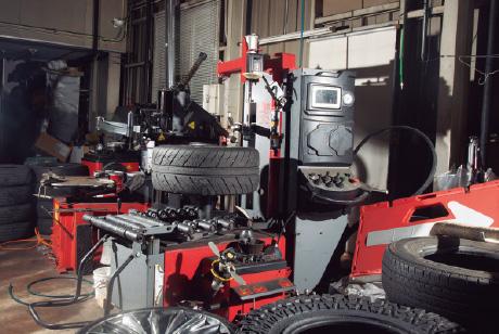 20インチランフラットタイヤ 対応チェンジャー完備