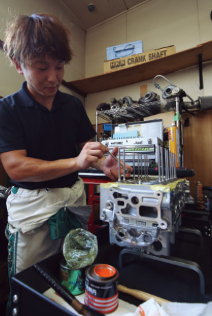 組み立て精度にこだわる チューニングエンジン