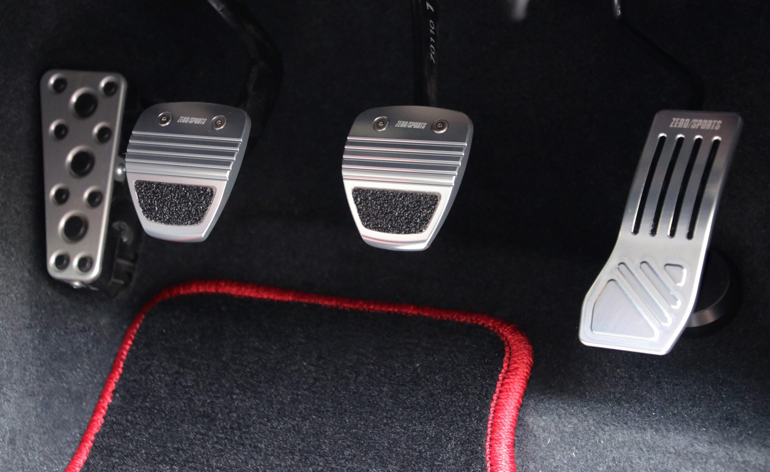 ZERO/SPORTSの新製品「アクセルペダル」「ブレーキ&クラッチペダル」「ブレーキペダル」