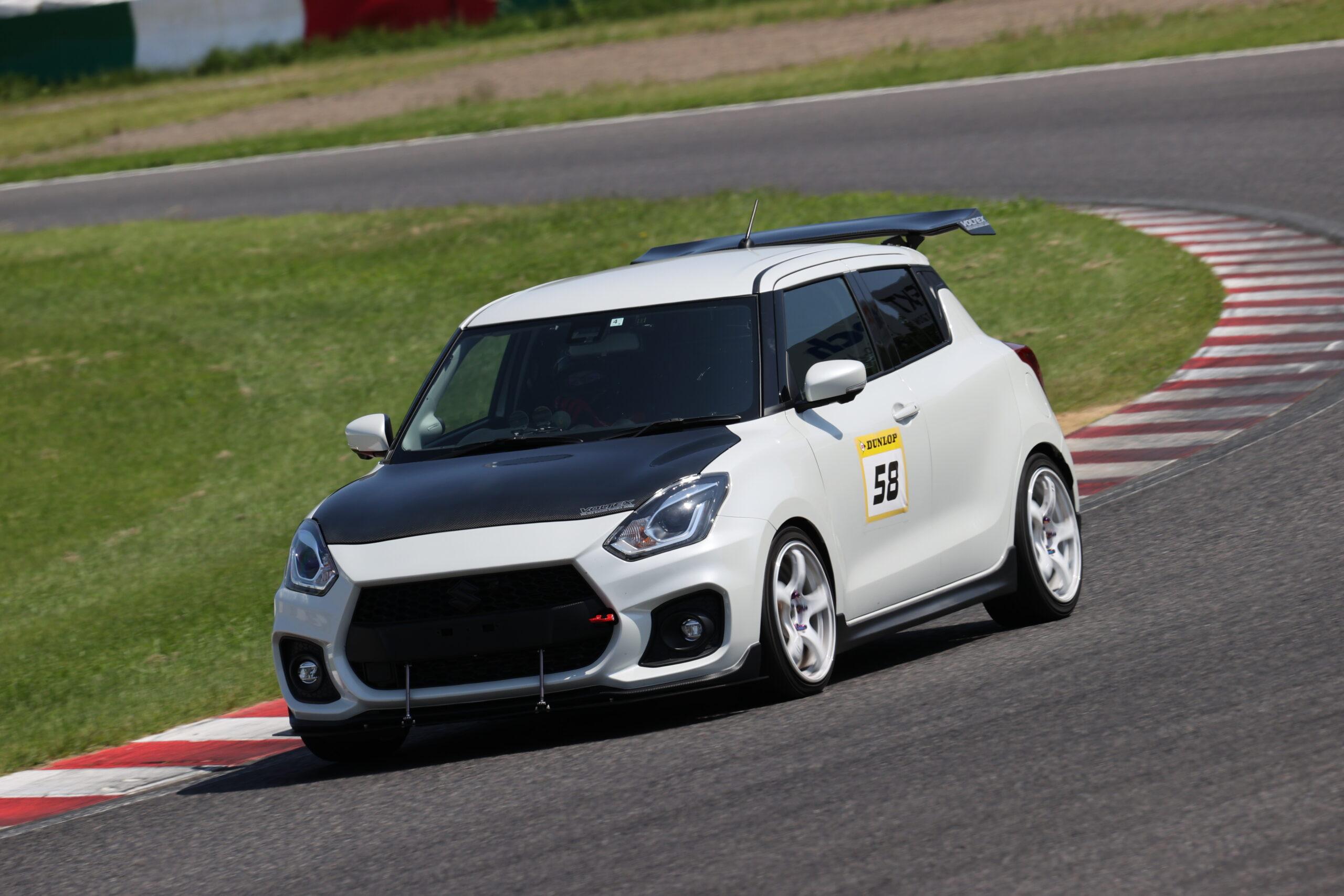 目標はカスタマー車両No.1の速さ!トップフューエルがつくるZC33Sスイフトスポーツ