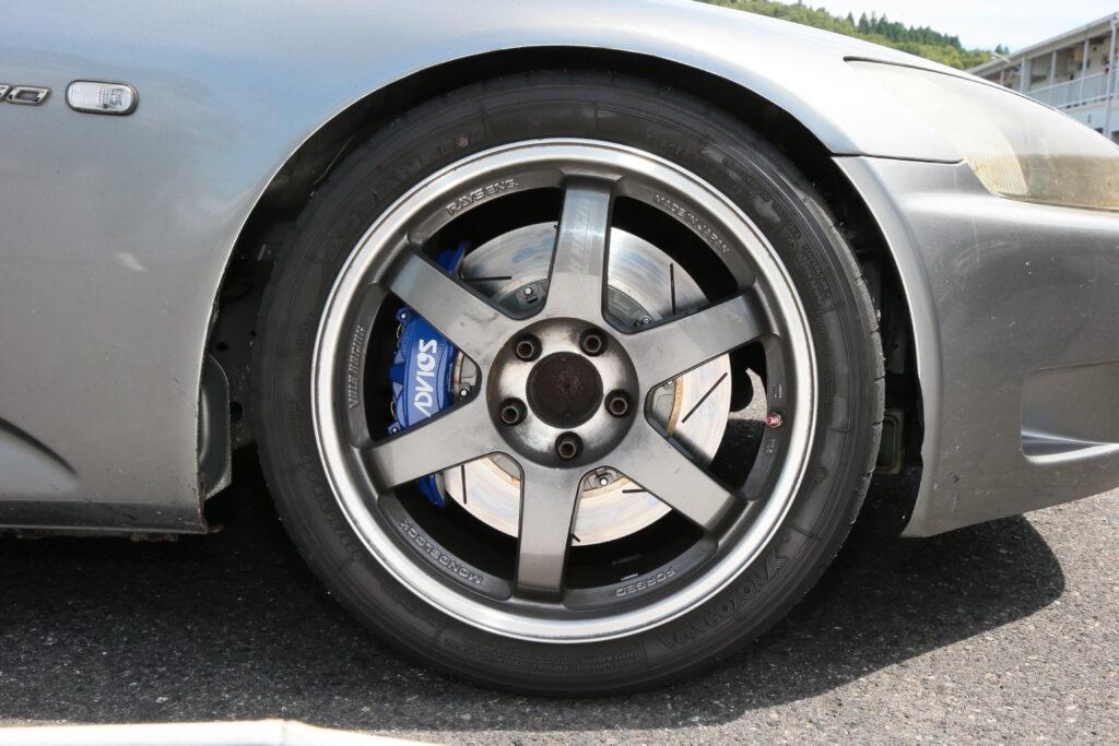 レーシングファクトリーリボルバー『 S2000用ADVICS  4POTキャリパーキット』